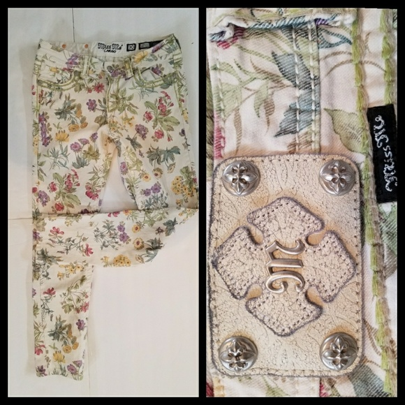 235671fce31 Miss Me Botanical Garden Jeans 30. M 5ac13a74c9fcdf05d2b82ec5